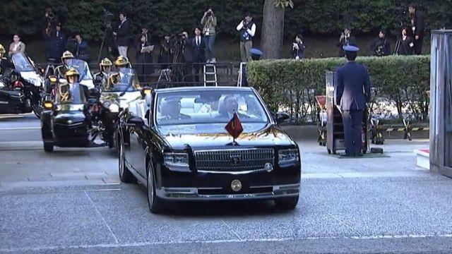 祝賀パレードオープンカーの車種は?両陛下が乗っていた車の価格が驚き!